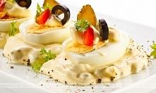 Jajka w sosie majonezowym z...