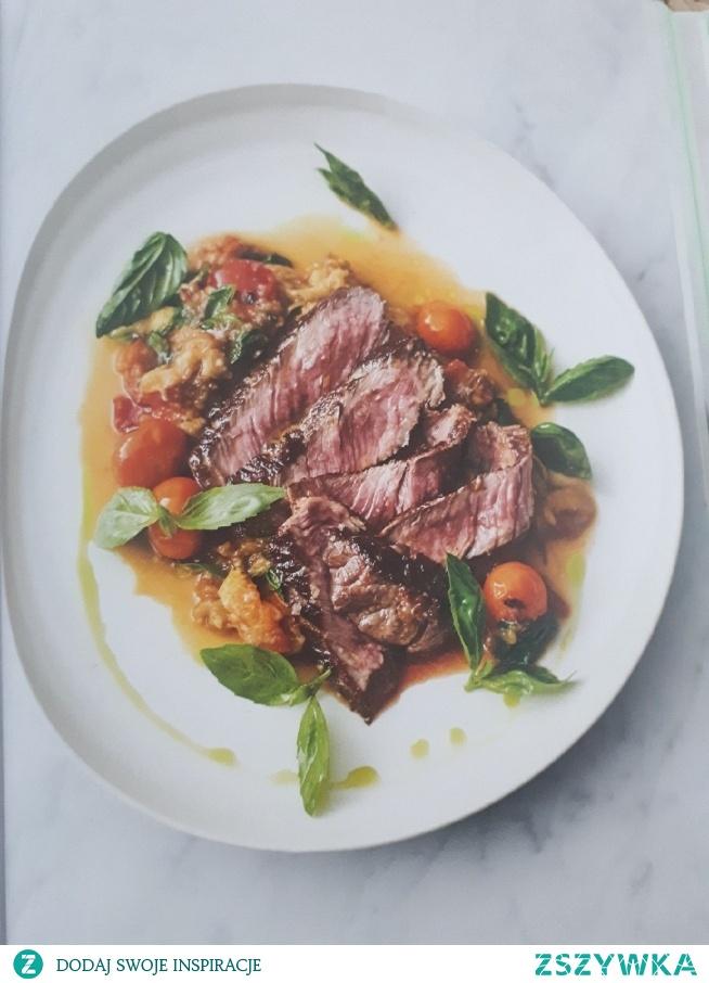 """Jamie Oliver """"5 składników"""" - skwierczący rostbef"""