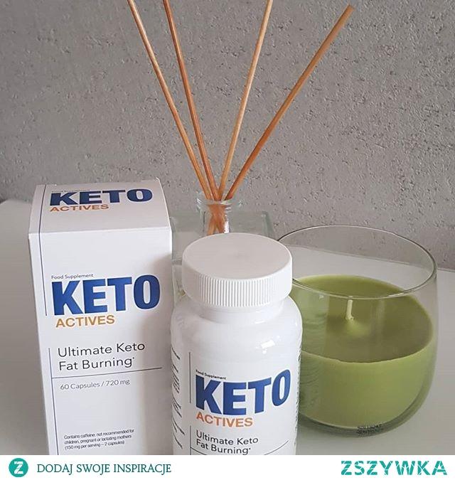 Keto Actives to połączenie naturalnych składników, które wspomagają organizm w walce z nadwagą ! Dzięki wyciągom z ostrych przypraw oraz gorzkiej pomarańczy wspomagają redukcję tkanki tłuszczowej. Ponadto pomagają w utrzymaniu prawidłowego poziomu cholesterolu i glukozy we krwi, regulują wydzielanie insuliny działając przeciwcukrzycowo. Zawarte w nim składniki hamują napady wilczego głodu. Keto Actives u osób aktywnych fizycznie poprawia wyniki treningowe łagodząc stres oksydacyjny.