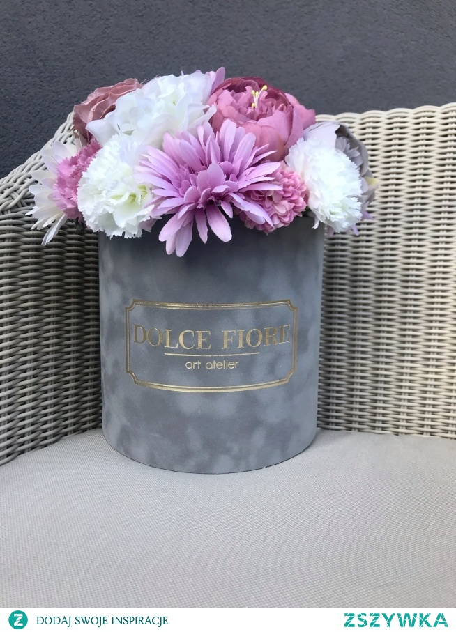 Kolejny flower box ze sztucznymi kwiatami ;)