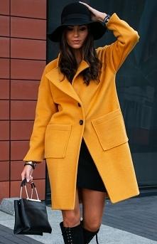 Musztardowy płaszcz damski ...