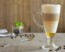 Latte Macchiato, czyli kawa we włoskim wykonaniu. Jej aromat i walory smakowe...