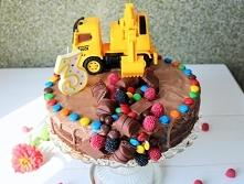 Tort czekoladowy z koparką