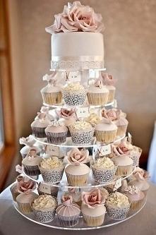 weeding cupcakes