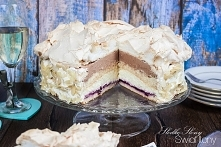 TORT PRALINOWY Z BEZĄ, BIAŁĄ CZEKOLADĄ I CZARNĄ PORZECZKĄ