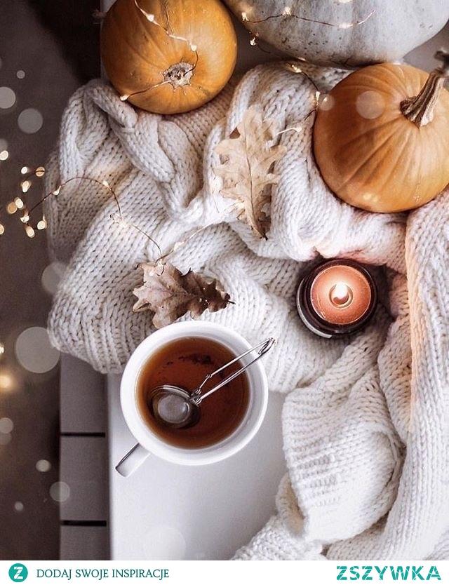 Jesiennie długie wieczory przy gorącej herbacie ✨