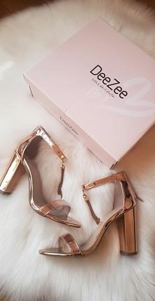 #DeeZee shoes
