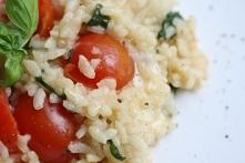 Cherry tomato, mozzarella a...