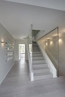 Co myślicie o takim kolorze podłóg i schodów?