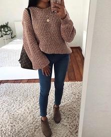 Stylówka ze swetrem w kolor...