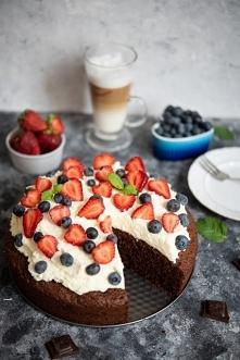 Mocno czekoladowe ciasto z ...