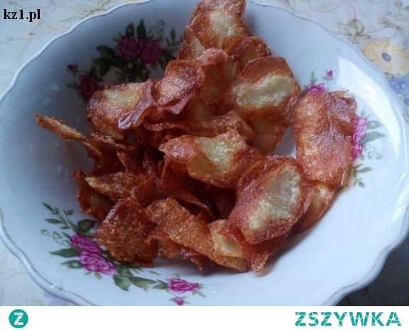 Domowe chipsy - jak zrobić je z jabłek i z ziemniaków.