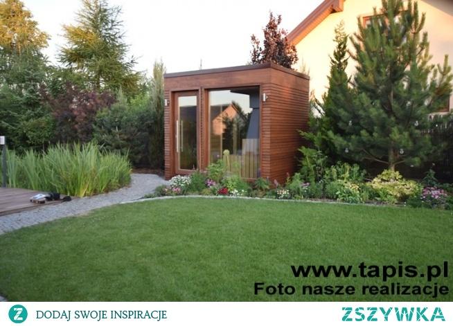 Domek saunowy Carina z niewielkim przedsionkiem. Producent: TAPIS.PL