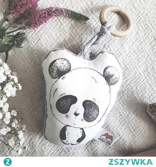 Panda z drewnianym gryzaczkiem