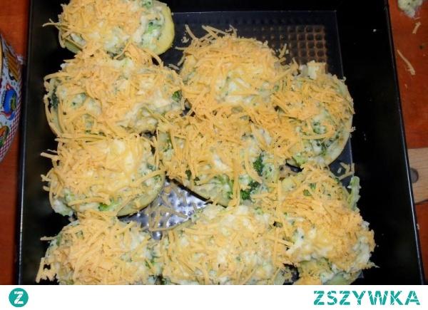 ziemniaki faszerowane brokułami