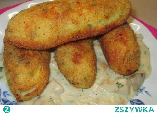 Krokiety ziemniaczane z serem i sosem grzybowym