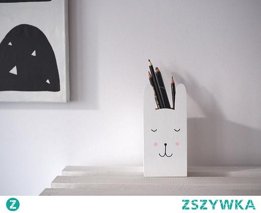 pudełko pojemnik na kredki - biały królik