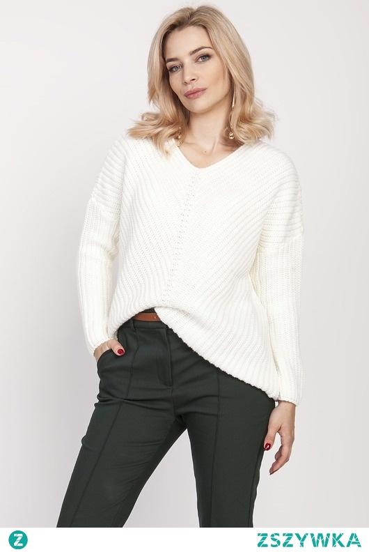Asymetryczny sweterek, SWE191 ecru MKM