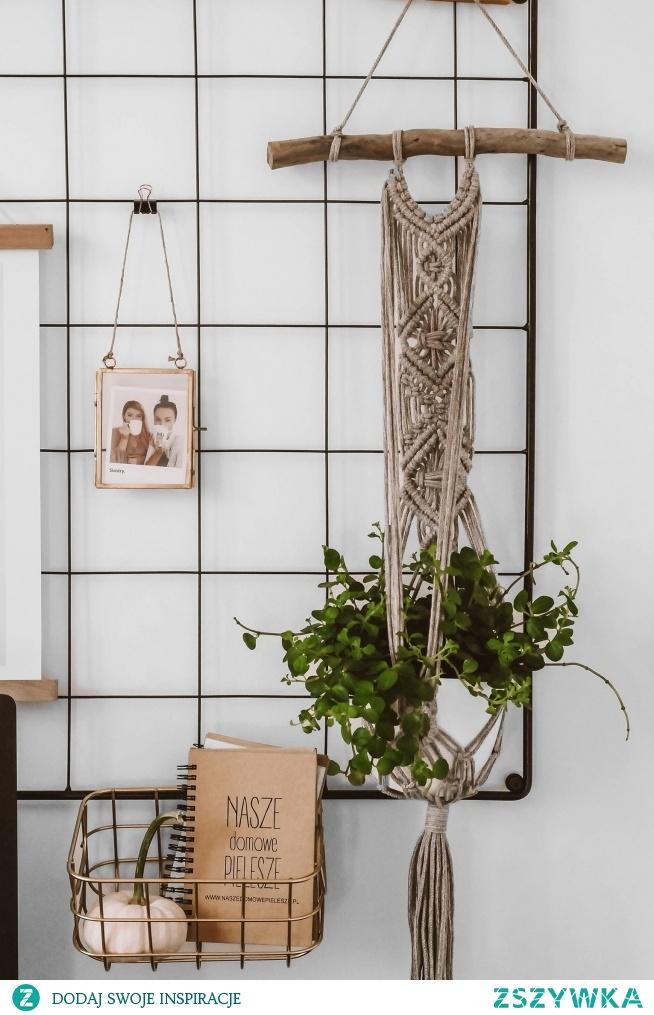 Nasz organizer/ metalowa tablica udekorowany z jesiennym akcentem  Organizer pięknie udekoruje ścianę nad biurkiem, ale będzie także przydatnym i funkcjonalnym elementem :)  Tablice znajdziesz na Nasze Domowe Pielesze