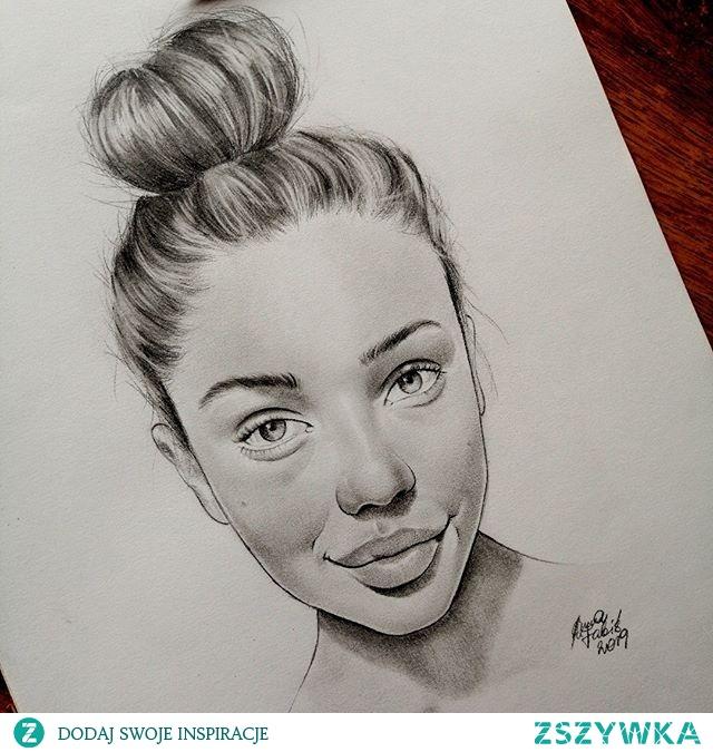 Zapraszam do polubienia mojej strony :) #pencil #art #artistoninstagram #artistic#portrait #drawthisinyourstyle #draw #sketches #sketchbook #sketch #portret #portretołówkiem #szkiceołówkiem #dailyart #kohinoor #kobieta #dziewczyna #artistic #blackandwhite #rysunek #rysowanieołówkiem #jakrysować #sztuka #graphicdesign #illustrations