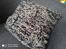 Ozdobna poszewka na poduszkę ręcznie robiona. 40/40cm