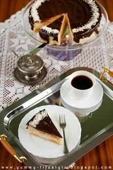 Świąteczny sernik z białą czekoladą i brzoskwiniami