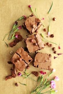 Rumowe brownie z orzechami laskowymi