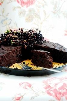 Ciasto czekoladowe z owocam...