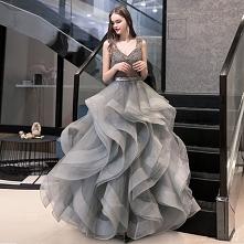 Luksusowe Szary Sukienki Na...