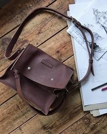 Boxy Bag L Aubergine - dwuc...