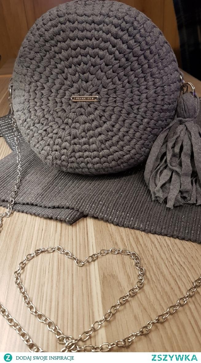 szydełkowa torebka. zapraszam na swoja stronę  na fb mArt Crochet
