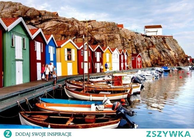 Puzzle krajobrazy, kolorowe domki w Szwecji