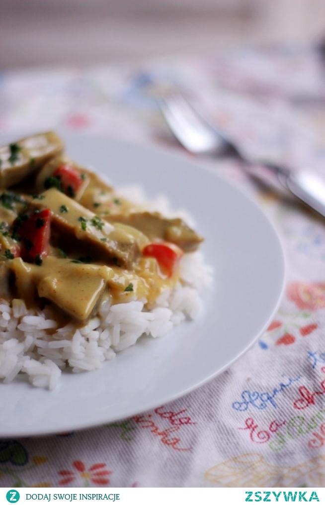 Seitan w sosie beszamelowym curry  po przepis zaprasza, na bloga (link po kliknięciu na zdjęcie) :)