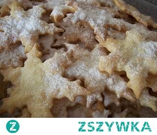 Słyszałam też o zrobieniu ciasteczek, a potem rozwałkowaniu ciasta cieniusieńko, pocięciu zrobieniu z niego faworków. Potem upieczeniu w piecu, tak jak ciastka, tylko krócej. Sposób na faworki bez tłuszczu.