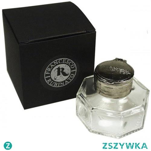 Calligrafun prezentuje kałamarz szklany, który doskonale sprawdzi się do każdego rodzaju atramentu. Pięknie się prezentuje, stanowi dobry pomysł na prezent!
