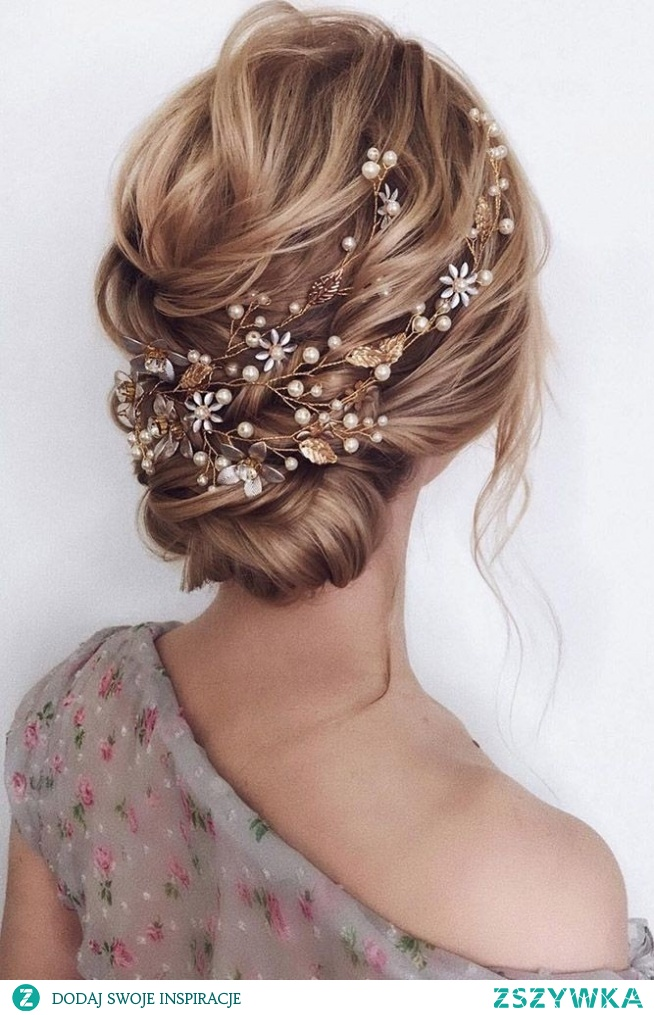 #fryzura #upięcie #pannamłoda #wesele #ślub #włosy #spinka #styl #moda #modadamska #kobieta