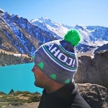 Ciepła czapka zimowa z pomp...