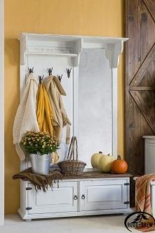 drewniana garderoba w kolor...