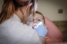 Fluoryzacja zębów u dentyst...