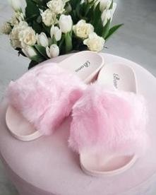 Różowe klapki damskie z fut...