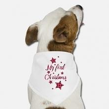 Śliczne ubranko bandana dla szczeniaka na jego pierwsze święta w waszym domu. Napis: My first Christmas. Bandana dostępna w sklepie również w polskiej wersji językowej.