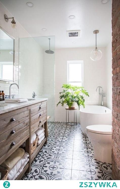 Waska i długa łazienka