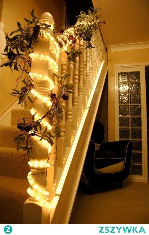 Wąż LED - pomysł na świąteczną dekorację. Można go wykorzystać w domu i na zewnątrz. Węże dostępne na 4fundesign.com