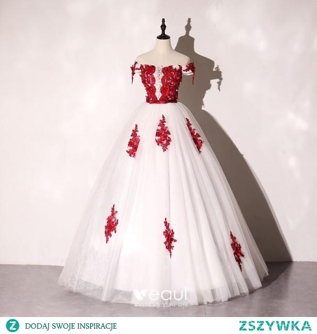 Eleganckie Kość Słoniowa Sukienki Na Bal 2020 Suknia Balowa Przy Ramieniu Czerwone Aplikacje Z Koronki Kwiat Kokarda Rhinestone Bez Rękawów Bez Pleców Długie Sukienki Wizytowe