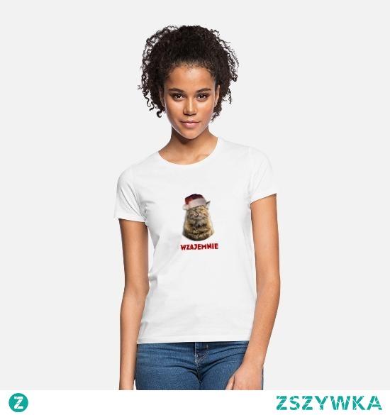 Humorystyczna koszulka na święta. Pomysł na prezent dla właściciela kota lub osoby która odczuwa zmieszanie gdy składa jej się życzenia. Jeśli sam masz nieco ironiczne podejście do składania życzeń, ta koszulka jest dla Ciebie. Może być świetnym prezentem na mikołajki lub wigilię. Ten wzór jest dostępny również na kubkach, poduszkach, słoikach do picia, bluzach itp. Wystarczy kliknąć w zdjęcie :)