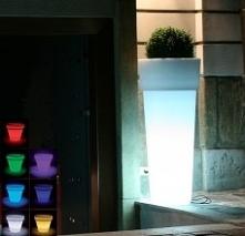 Donice podświetlane LED Marcantonio to propozycja dla miłośników nowoczesnego stylu i ponadczasowych dekoracji. Sprawdź ofertę i wybierz swoje ulubione modele.
