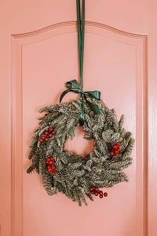 Nasze różowe drzwi w biurze...