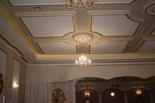 Sufity podwieszane oświetle...