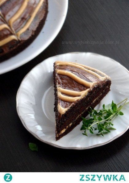ciasto czekoladowe z domowym masłem fistaszkowym i nutellą
