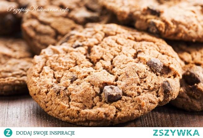 Kruche ciasteczka z kawałkami czekolady